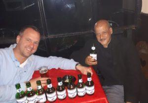 Jan Hendrik duikt de onderwereld van Casablanca in met een local.